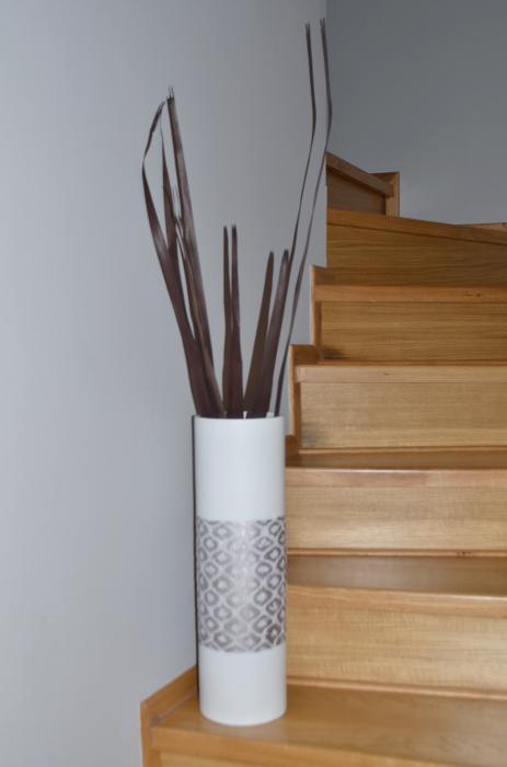 Vaza alb/argintiu, din polirezina, 50 cm x 15 cm 1