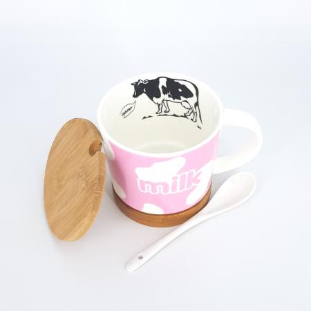 Cana cu lingurita ceramica, suport si capac din bambus, model milk, Roz 300 ml [1]