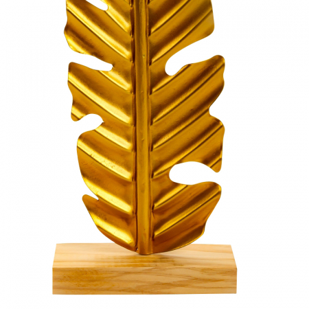 Decoratiune frunza, Aurie, din metal, pe un pedestal din lemn maro, 42.5x15.5 cm3