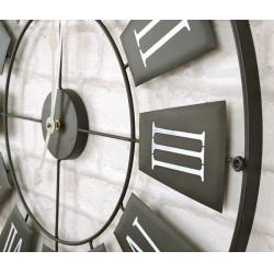 Ceas de perete din metal, Negru cu limbi Gri si cifre romane Mari Albe, D 70cm, grosime 2cm1