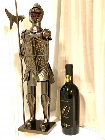 Suport din Metal lucios pentru Sticla de Vin, model Cavaler in Armura, Capacitate 1 Sticla, Crom Lucios, H 61 cm [1]