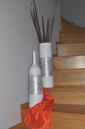 Vaza alb/argintiu, din polirezina, 50 cm x 15 cm3