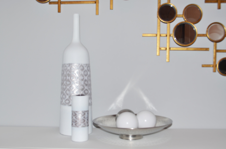 Vaza alb/argintiu, din polirezina, 59 cm x 16.5 cm3