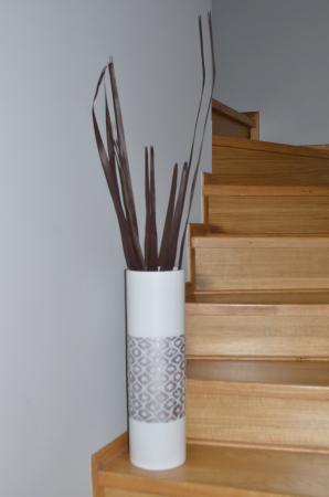 Vaza alb/argintiu, din polirezina, 50 cm x 15 cm1
