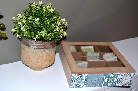 Vaza ceramica, culoarea Bej perlat, 17cm x 17cm2