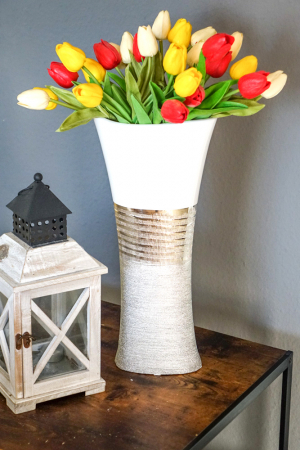 Vaza Ceramica, eleganta si moderna, Ovala, Argintiu cu Alb, 43 cm3