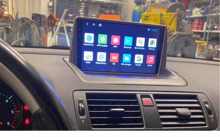 Navigatie Volvo C40 C30 S40 C70 V50 ( 2004 - 2013 ) 4 GB RAM + 64 GB ROM , Slot Sim 4G pentru Internet , Carplay , Android , Aplicatii , Usb , Wi Fi , Bluetooth [1]