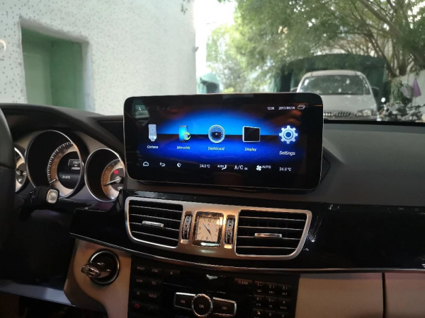 "Navigatie Mercedes E Class W212 ( 2012 - 2014) ,  Android , NTG 4.5 , 4GB RAM + 64 GB ROM , Slot Sim 4G LTE , Display 10.25 "" rez 1920*720 , Procesor Octa Core , Internet , Aplicatii , Waze , Wi Fi , 9"