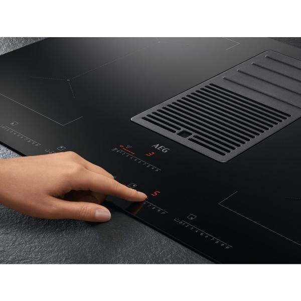 Plită inducţie cu hotă integrată ComboHob 630 mc/h 83 cm negru 2