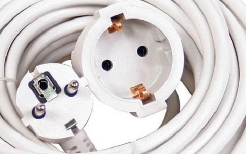 Prelungitor de forta 5 m ideal pentru masini de tuns iarba, aparate sudura,  betoniere,  masini de spalat, calorifere electrice etc,  cu protectie copii,  cablu flexibil cu  3 fire 1.5,  dubla izolare 0