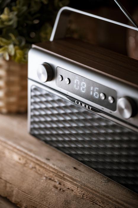 Radio bluetooth 5.0 MECR1183 portabil cu aspect retro,  memorie 50 posturi, redare de pe USB si card SD, intrare auxiliara, ceas, putere 16W 8
