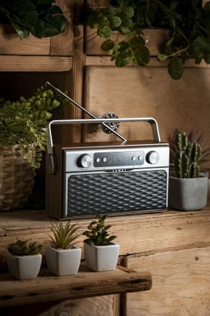 Radio bluetooth 5.0 MECR1183 portabil cu aspect retro,  memorie 50 posturi, redare de pe USB si card SD, intrare auxiliara, ceas, putere 16W4