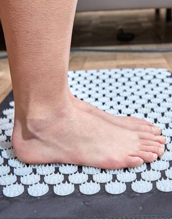 Saltea de masaj Lanaform Delight cu masaj Shiatsu, acupresiune si incalzire, 10 motoare, 5 moduri prestabilite, 3 niveluri intensitate, 3 zone incalzite, 175 x 75cm2
