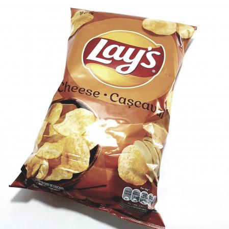 Lay's cu aromă de cașcaval0