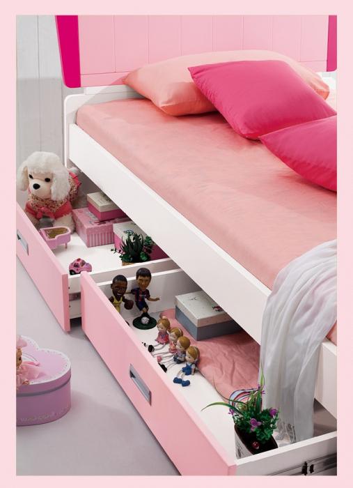Set mobilier camera fete MDF Princess MDF: pat 120 x 200cm, noptiera, dulap 2 usi, birou si scaun 5
