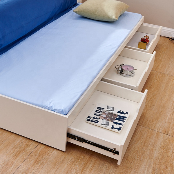 Set mobilier Tom din MDF si lemn masiv pentru camera copii 4 piese: pat 120 x 190cm, noptiera, dulap 3 usi, birou -cod 8919 [3]
