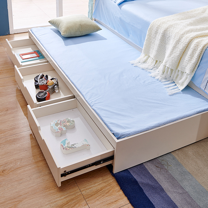 Set mobilier Football din MDF si lemn masiv pentru camera copii 4 piese: pat 120 x 190cm, noptiera, dulap 3 usi, birou -cod 8911 [16]