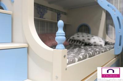 Pat supraetajat Buny Pink din lemn masiv stejar si MDF, cu 3 sertare pentru depozitare,  scară si dulap depozitare 5 sertare pentru dormitor copii cod 910P4