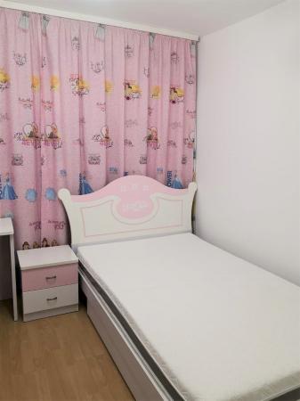 Set mobilier  Mimi din MDF 4 piese: pat 120/200cm cu 2 sertare, noptieră, dulap 3 usi și birou colț pentru camera fete6