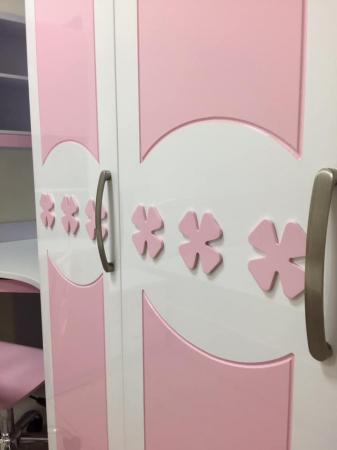 Set mobilier Sirena din MDF pentru camera copii 4 piese: pat tapițat cu 2 sertare depozitare, noptieră, dulap 3 usi, birou - cod 8738