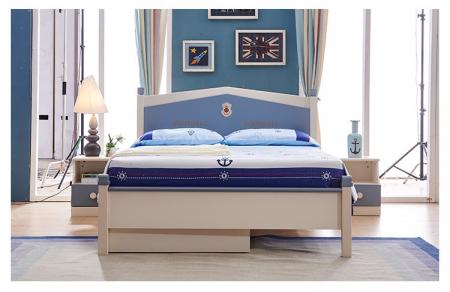 Set mobilier Football din MDF si lemn masiv pentru camera copii 4 piese: pat 120 x 190cm, noptiera, dulap 3 usi, birou -cod 8911 [11]