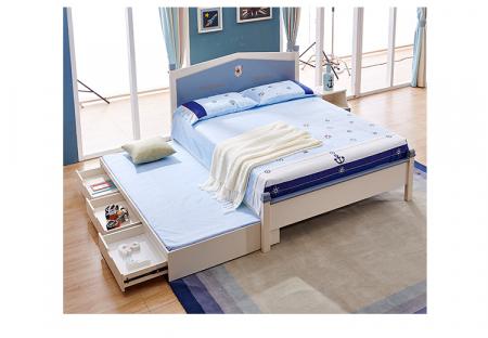 Set mobilier Football din MDF si lemn masiv pentru camera copii 4 piese: pat 120 x 190cm, noptiera, dulap 3 usi, birou -cod 8911 [12]