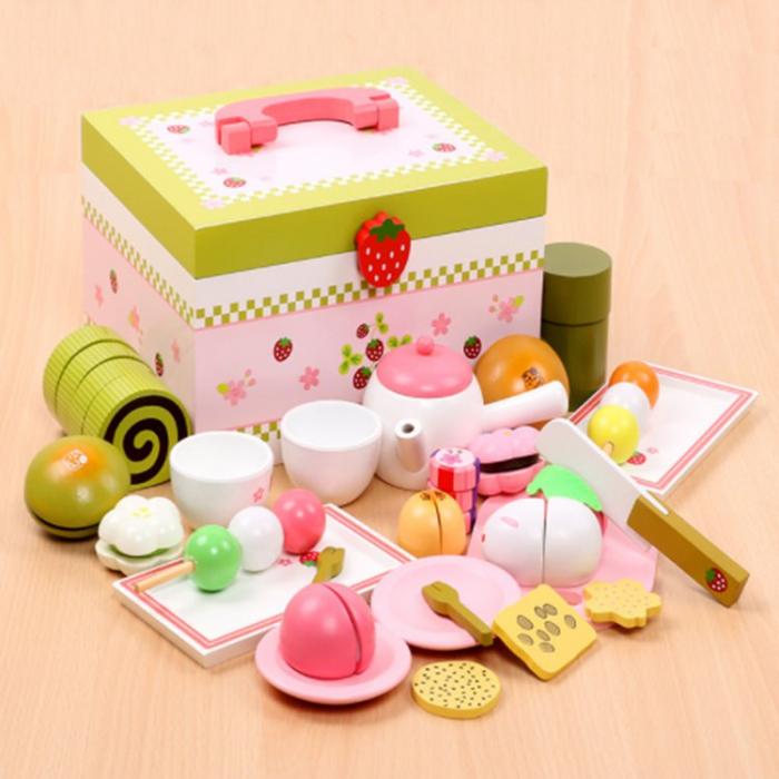 Set de ceai și dulciuri din lemn în cutie verde și roz cu căpșună 0