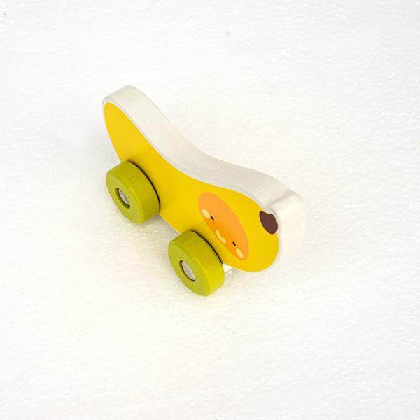 Mini masinuta din lemn tip banana 1