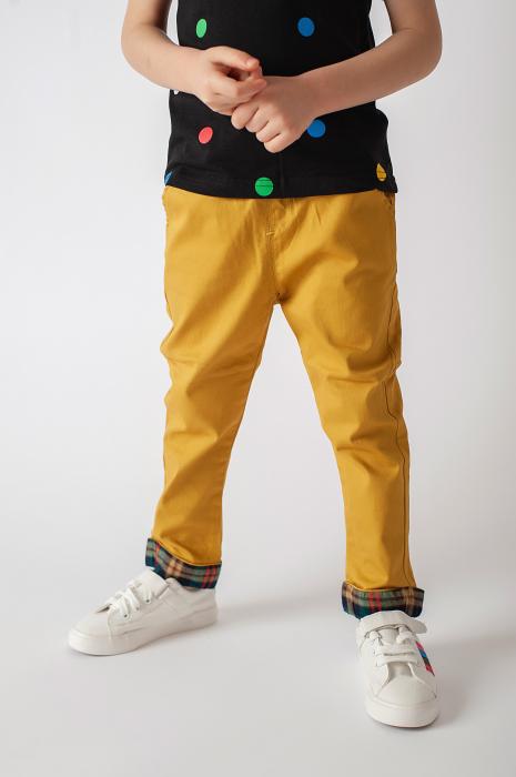 Pantaloni cu manseta in carouri 1