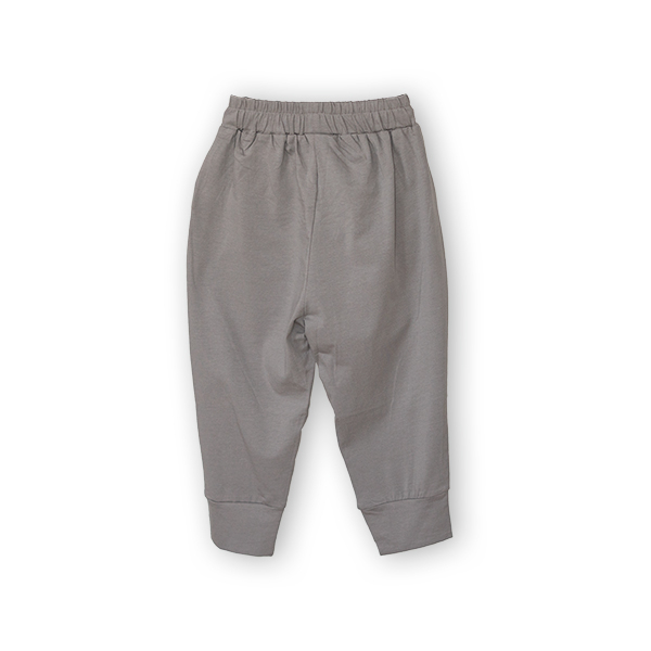 Pantaloni jogger trei sferturi 1