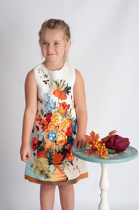 Rochie din brocart cu flori 0