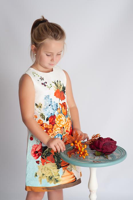 Rochie din brocart cu flori 2