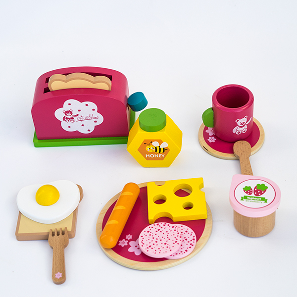 Set pentru micul dejun din lemn -15 piese 0