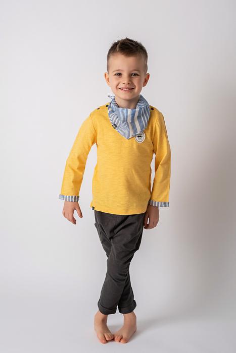 Set trei piese baieti, galben si gri, cu pantaloni trei sferturi si esarfa 0