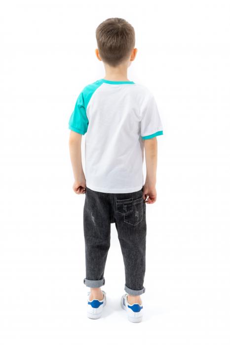 Tricou alb cu guler contrastant [2]