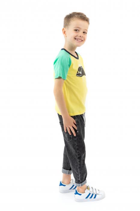 Tricou galben cu guler contrastant 1