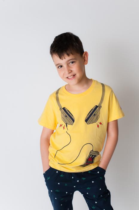 Tricou galben cu imprimeu [1]