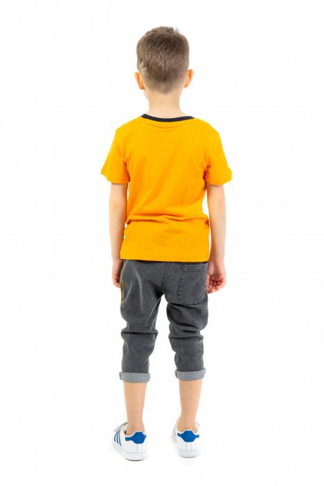 Tricou portocaliu cu imprimeu si guler contrastant [2]