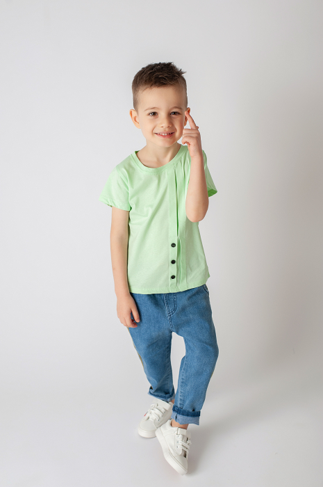 Tricou verde cu nasturi si cute 3