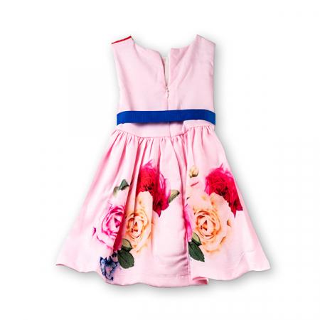 Rochie roz cu trandafiri1