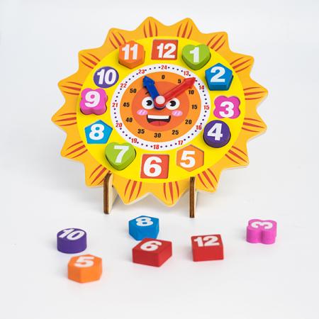 Ceas din lemn pe suport tip puzzle0