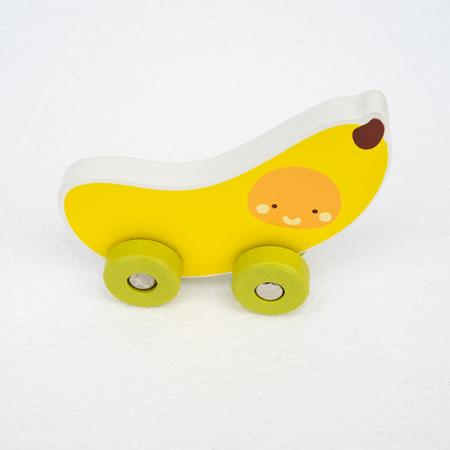 Mini masinuta din lemn tip banana0