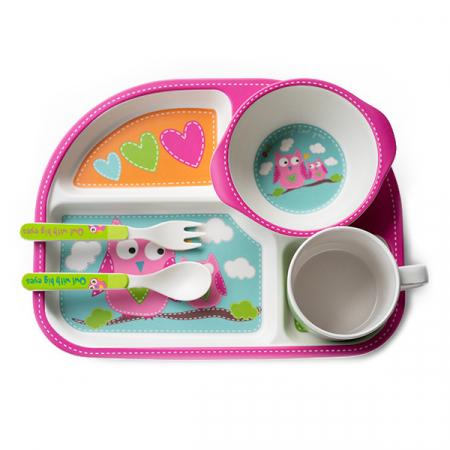 Set de masa alb si roz pentru copii din 5 piese1
