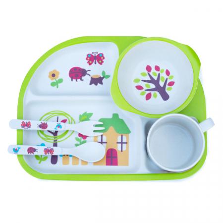 Set de masa alb si verde pentru copii din 5 piese1