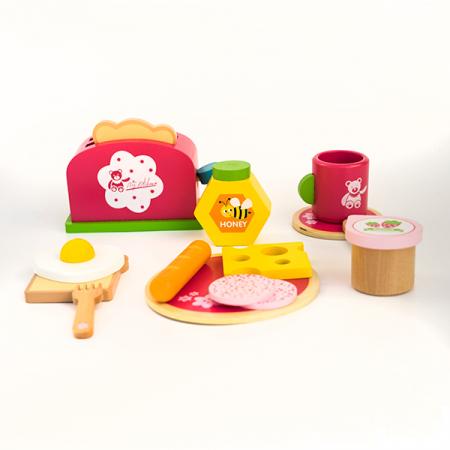 Set pentru micul dejun din lemn -15 piese1