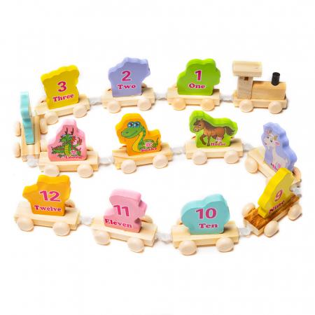 Trenulet din lemn cu vagoane cu animalute1