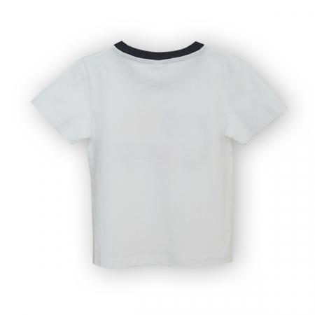 Tricou alb cu text si guler contrastant1
