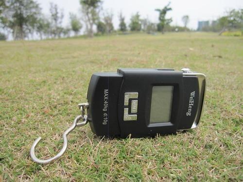 Cantar portabil de mana cu LCD WH-A08 1