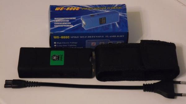 Electrosoc pentru autoaparare cu lanterna WS-800C 0