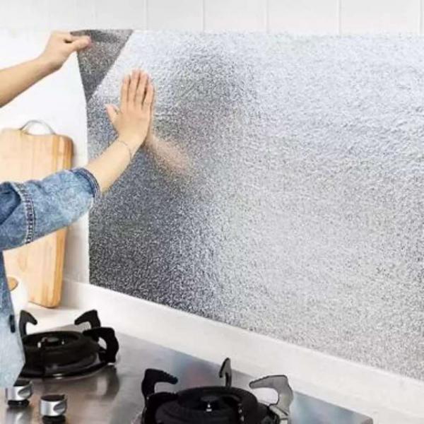 Folie adeziva din aluminiu pentru o bucatarie 60 x 300 cm [0]